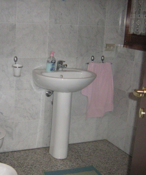 Arredo bagno coedil marmi montegrino valtravaglia - Arredo bagno varese ...