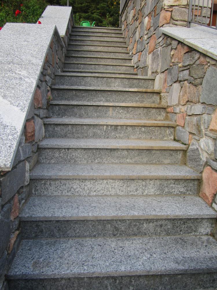 Rivestimenti in pietra coedil marmi montegrino valtravaglia - Rivestimenti scale esterne ...